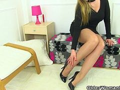 Uk Beauty, British Aged Whores, cougar Mom, Hot MILF, Hot Pants, mature Women, m.i.l.f, Nylon, Pantyhose, Teen Very Tight Pussy, UK, yoga Pants, Yoga Pants, Milf, Uk Mature Non professional, british, Mature, Perfect Body Teen Solo
